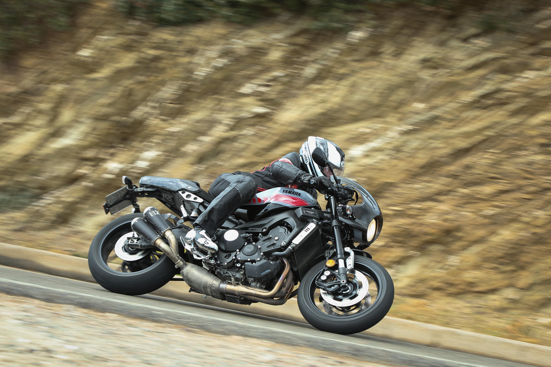 yamaha xsr 900 abarth moto sport schweiz. Black Bedroom Furniture Sets. Home Design Ideas